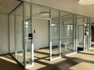 Systemtrennwände (Glas) kostenlos / system partition walls (glas) free of charge